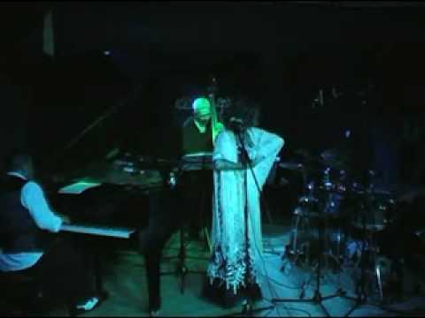 Raquel Lebron-Drume Negrita