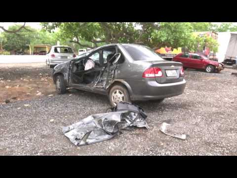 CAXIAS: Homem fica ferido após acidente na BR-316 entre carro de passeio e micro-ônibus