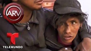 Indigentes se emborrachan hasta morir en bar de Bolivia | Al Rojo Vivo | Telemundo