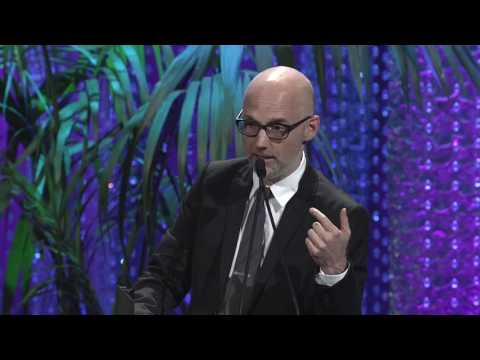 Moby's Speech at the 2016 Environmental Media Awards - YouTube