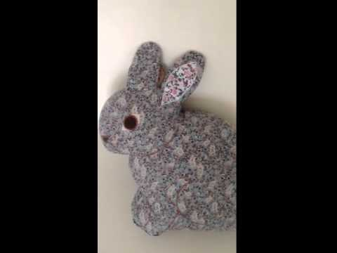 Coussin Pour Lapin : coussin lapin pour enfant achat vente coussin lapin enfant youtube ~ Teatrodelosmanantiales.com Idées de Décoration