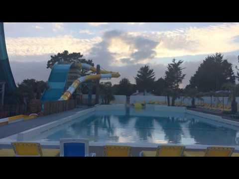 Toboggan 9 m avec piscine à vagues Camping Acapulco Aout 2017 (Capital M6)