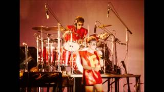 Devo - Freedom of Choice Theme/Whip It (Live 1979)