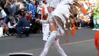 2012.10.07.に開催されたところざわ祭り 人気のサンバパレードが開催さ...