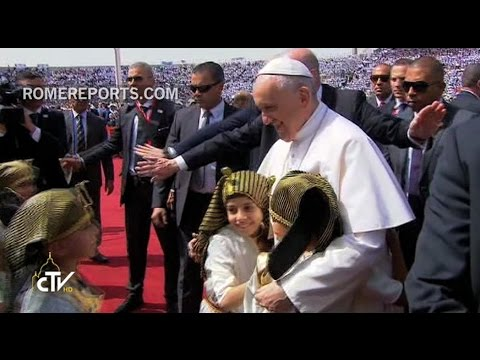 Papal Mass in Egypt: the only fanaticism believers can have is that of charity!