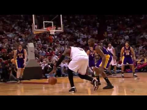 Kobe Bryant absolutely locks Dwyane Wade down to close the third quarter