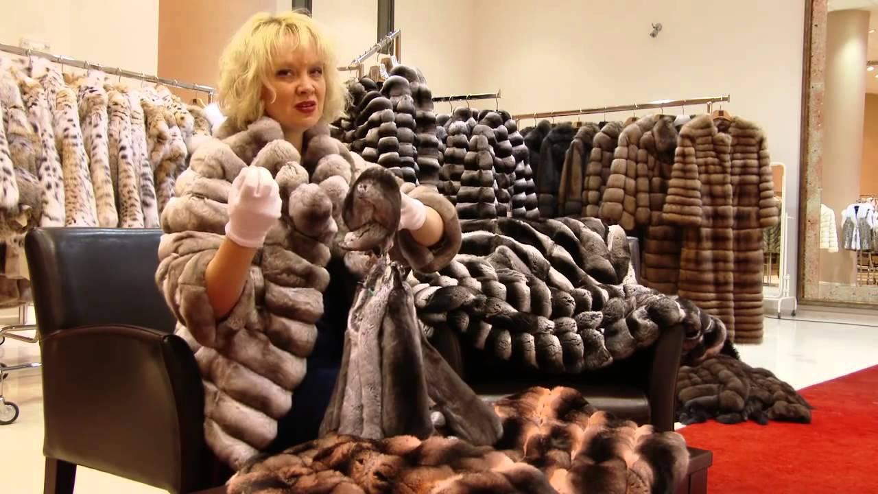 Помимо шуб из обычного кролика, в магазинах можно купить изделия из кролика рекс. Это специально выведенная порода кролика, отличающаяся.