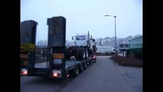 Kenworth T2000 hauls a Mack R600