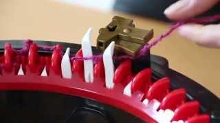 Вязальная машина Addi Express - Как начать вязать!(Это видео рассказывает как начать вязать на машине Addi Express. Это не официальное видео! Это мое любительское..., 2015-06-17T20:08:44.000Z)
