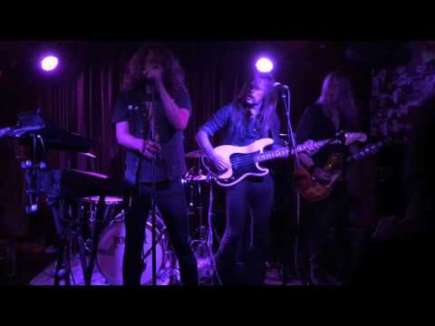 "HORISONT ""Electrical"" Live At Kung Fu Necktie 