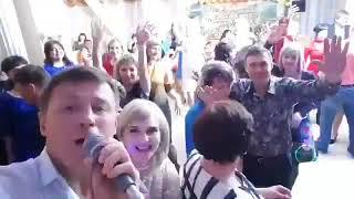 """Евгений КОНОВАЛОВ - """"Розы белые"""" отрывок с концерта в Саянске. ресторан """"ИМПЕРИЯ"""""""