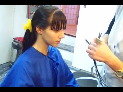 Gorgeous teenager transform her nice long hair with a haircut and sexy bangs!