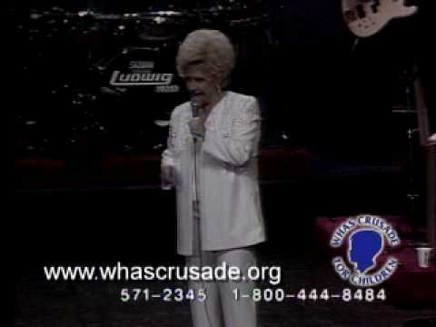 """Brenda Lee belts out """"Rockin' Around the Christmas Tree"""""""