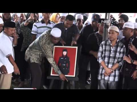 Ribuan warga antar jenazah Gayatri dimakamkan di Ambon - NET12