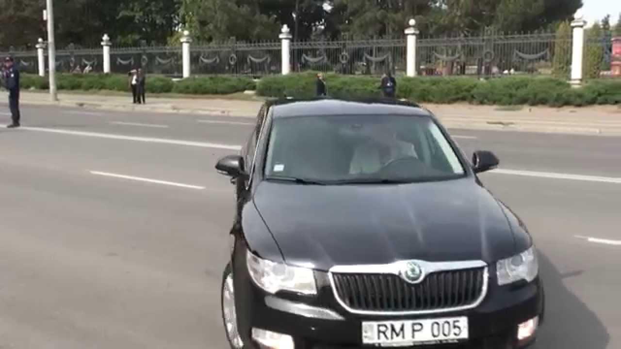 Grecianîi a venit la protest cu mașina Parlamentului