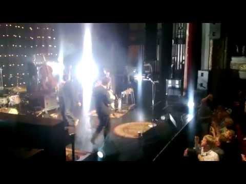 EELS W/ Journey Lead Singer Steve Perry In St Paul [FULL, HIGH QUALITY]