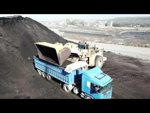 caterpillar-992c-wheel-loader-loading-coal-on-trucks---melidis-sa