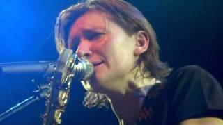 Диана Арбенина - Мне нравится смотреть на тебя(Диана Арбенина - Мне нравится смотреть на тебя. Видео с концерта в клубе Б2 01.01.2011., 2011-01-15T19:51:33.000Z)