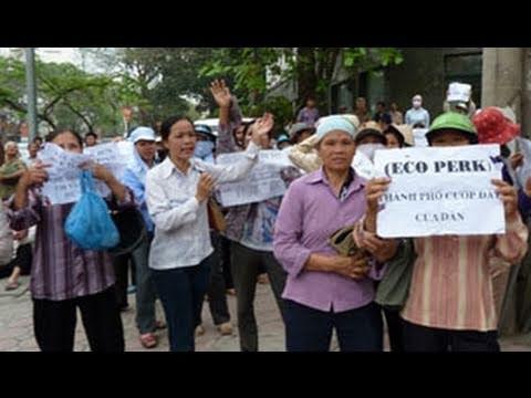 Nông Dân Biểu Tình ở Hà Nội