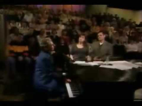 Barry Manilow sings with Donny & Marie Osmond