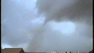 Tornado Wittenberg Karat-Park 2002.mpg