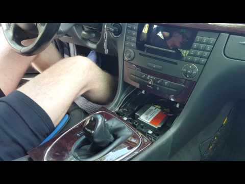 Ausbau Radio Audio APS20 von E Klasse W211 Mercedes Benz Anleitung Deu