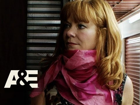 Storage Wars: New York: Candy and Courtney's Dress Forms and Vintage Clothing | A&E