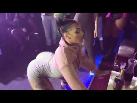 She Twerk and shut down the whole club