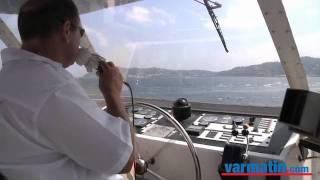 Bateliers du port: la rade vue de la mer