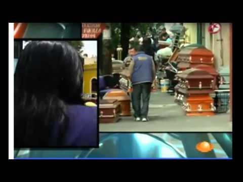 DESALOJAN FUNERARIA CON TODO Y MUERTOS MÉXICO DF 13 JULIO 2013 POR NO PAGAR LA RENTA   YouTube