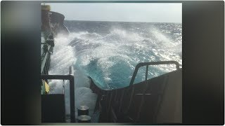 Rough Sea Wave Effect On Ship