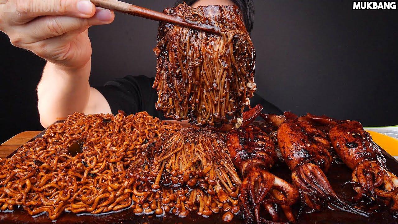 ASMR MUKBANG | SPICY BLACK BEAN SQUID 🦑 ENOKI MUSHROOM NOODLE EATING SOUND 짜파구리 짜장불닭 팽이버섯 오징어 먹방