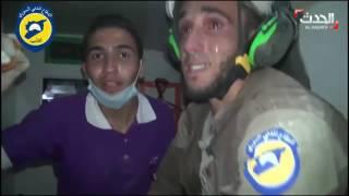 بالفيديو.. إنقاذ رضيعة من تحت الأنقاض في إدلب