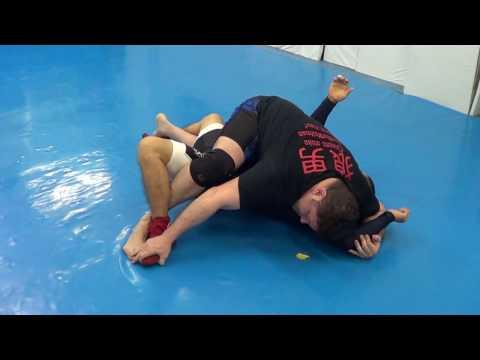 Ultimate Mount Free Seminar BJJ Jiu-jitsu Catch Wrestling UFC MMA 32 Submissions