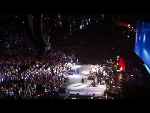 Fleetwood Mac - Go Your Own Way (Manchester 01/10/13)