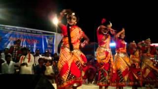 স্কুলের ছোট মেয়ের নাচ Bangladeshi School Girl Dance 2015 in a Stage