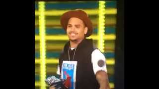 Chris Brown P.O.P HOLD IT DOWN *VINE* *FUNNY*