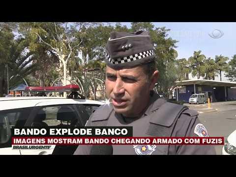 Ladrões atacam agência bancária com fuzis e explosivos