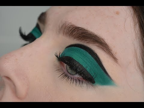 Blue 60's Eye Look Inspired by Bailey Sarian