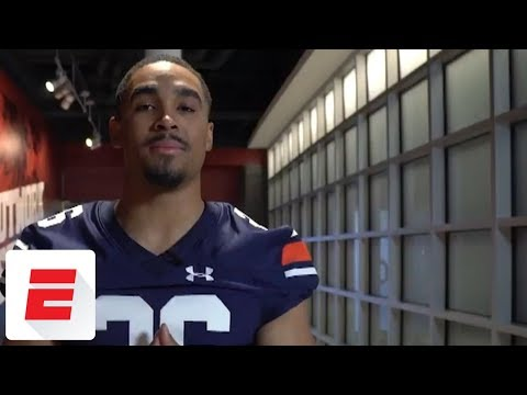 Alabama QB Jalen Hurts loses bet to Charles Barkley, wears Auburn jersey | ESPN