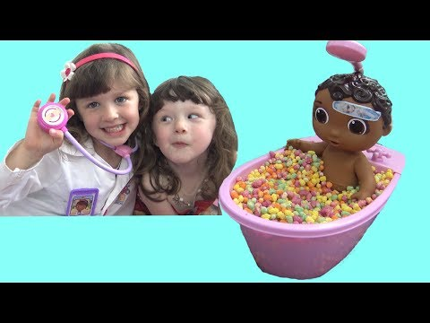 Doc McStuffins Real Life Day Care Magic Rainbow Candy Bath Time FUN
