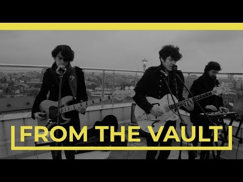 THE KRYPTONITE SPARKS - ESTI (BalconyTV)