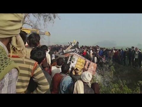 Over 20 children killed in India bus crash