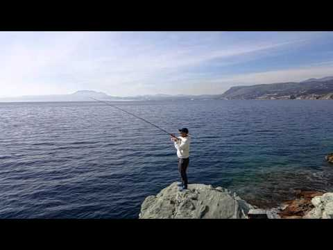 Manbika 100XH slow motion shore jigging action Greece