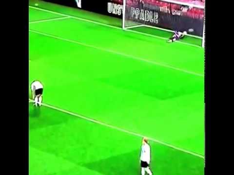 Rafael Da Silva AMAZING GOAL Manchester United 1-1 Tottenham