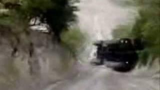 【軍事?】自衛隊には不可能な軍の珍プレイ集 thumbnail