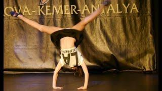 Girl Gymnast, Super Dance On Children's Animation In Turkey, Hotel Pirates Beach Club!