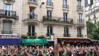 Irish fans in Paris - French random guy on the balcony EURO 2016 Irlandais / inconnu au balcon