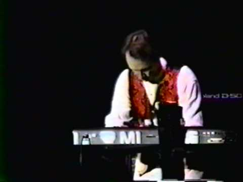 Peter Tork - Bach's Two-Part Invention in F Major - Monkees Live 1996