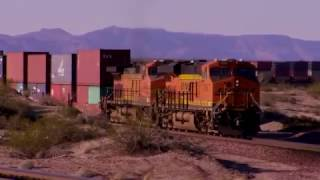 BNSF 6642 Westbound Double Stack at IBIS California
